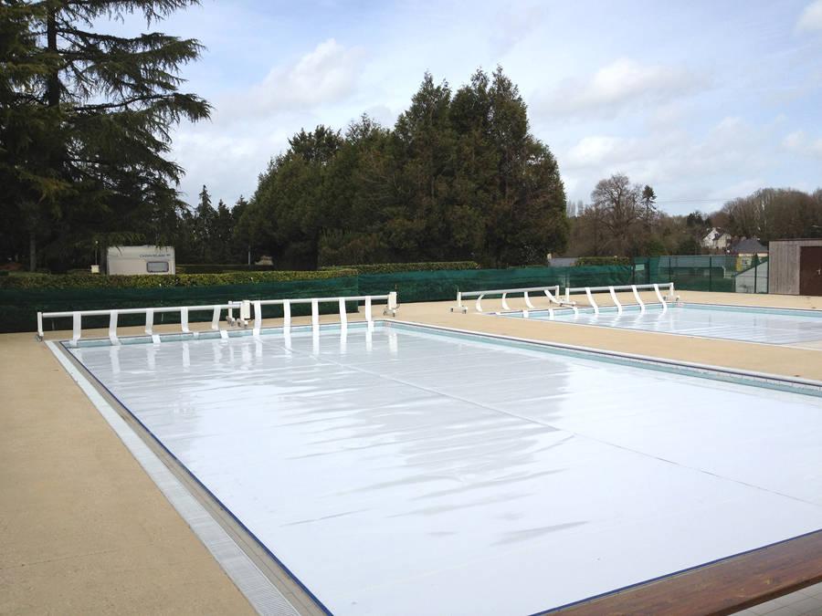 Enrouleur manuel piscines les couvertures for Capdenac piscine